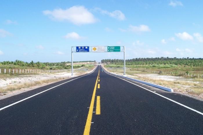 Governo do Ceará autoriza restauração da CE-397 e entrega Areninha de Mauriti nesta sexta-feira (9)