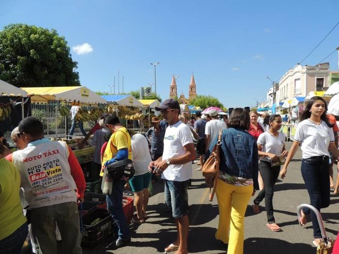 Feirantes lavrenses revoltados com barracas de fora na Feira da Agricultura Familiar